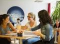 Vorschau: Studierende lernen gemeinsam.