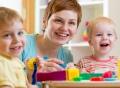 Vorschau: Erzieherin mit zwei Kindern