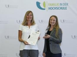 Katharina Lang vom Studentenwerk München und Judith Bub von der Hochschule München