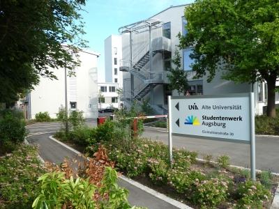 """Die Verwaltung befindet sich auf dem Campus """"Alte Universität""""."""