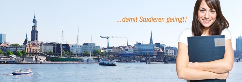 Studentin vor Hamburgkulisse