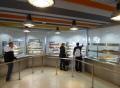 Vorschau: Gäste in einer Cafeteria
