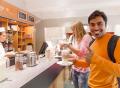 Vorschau: Mitarbeiterin in der Coffeebar