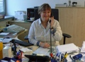 Vorschau: Mitarbeiterin in der Verwaltung am Telefon