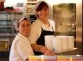 Vorschau: Studierendenwerk Karlsruhe - Mitarbeiterinnen in der Mensaküche bei der Arbeit
